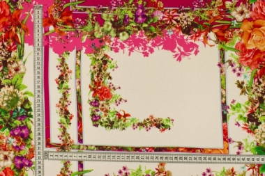 Трикотаж геометрия с цветами 020